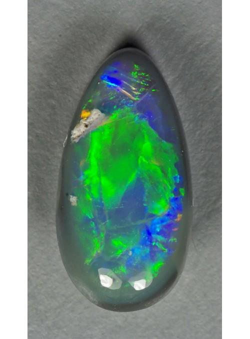 Drahý  opál z Austrálie  9x4mm