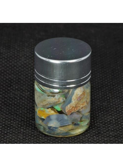 Drahý opál z Austrálie v lahvičce