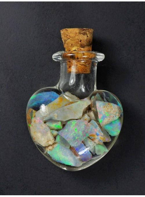 Lahvička ve tvaru srdce s ohnivými opály