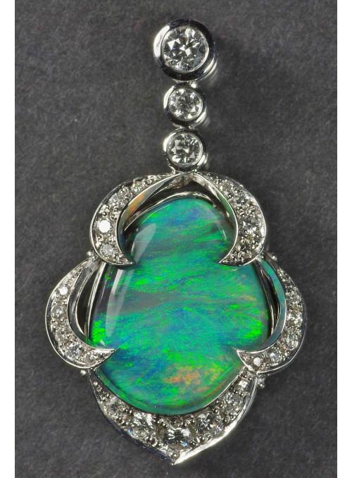 Černý australský opál s pravými diamanty