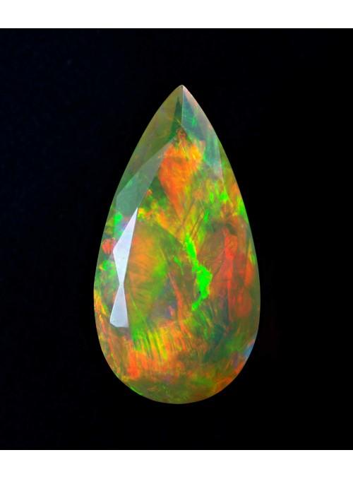 Etiopský opál  s fasetovým výbrusem 16x7mm